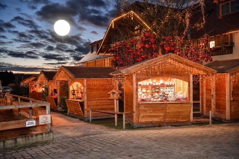 Abendstimmung am Gut Aiderbichl Weihnachtsmarkt
