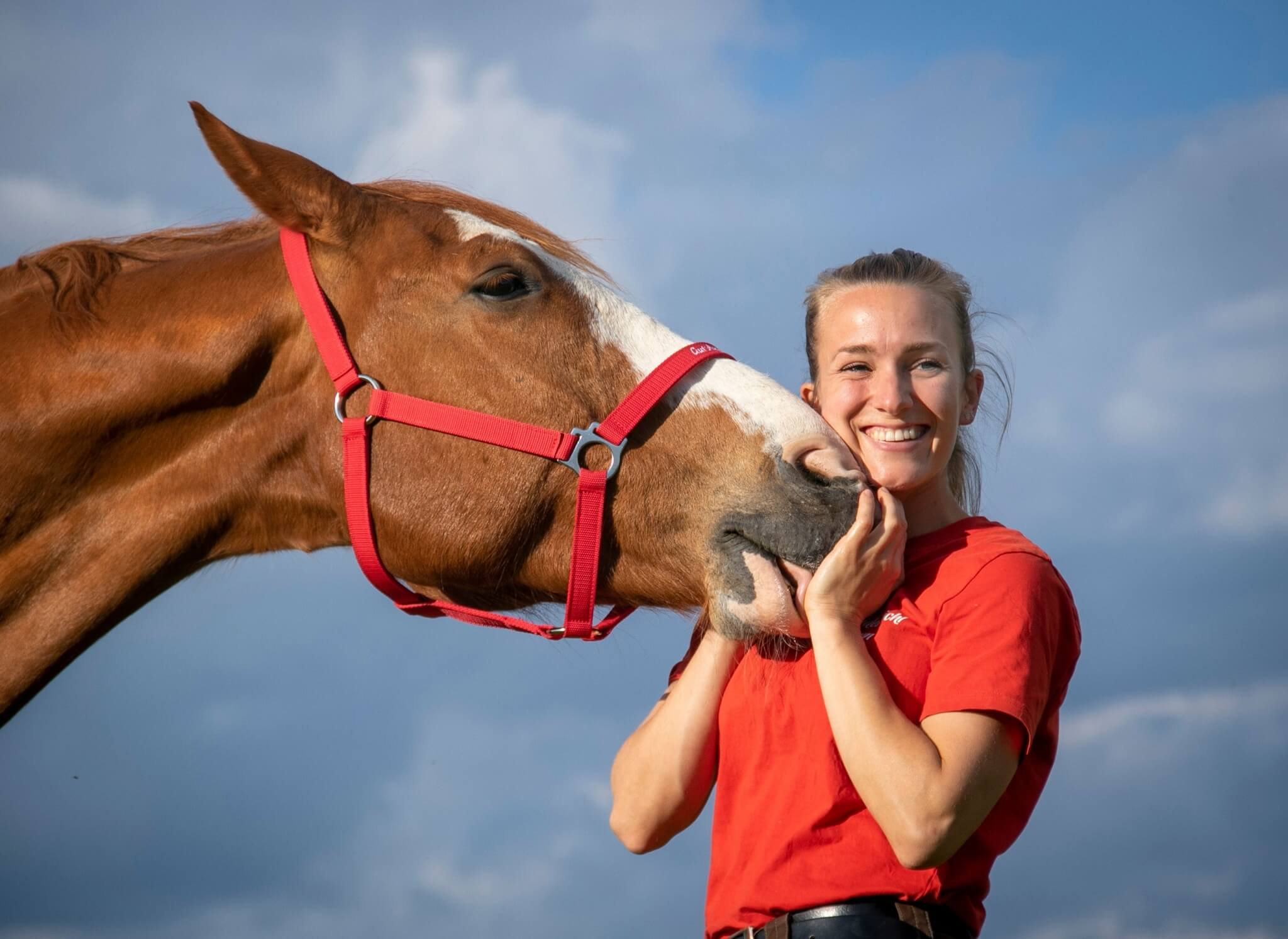 Tierpflegerin Melina mit Pferd Idefix